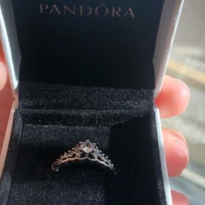 Pandora fairytale tiara ring size 7